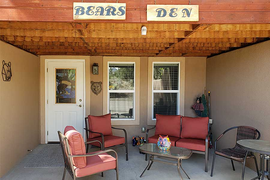 Bears Den Studio Apartment at Grizzly Roadhouse Bed & Breakfast and Vacation Rentals in Cortez, Colorado